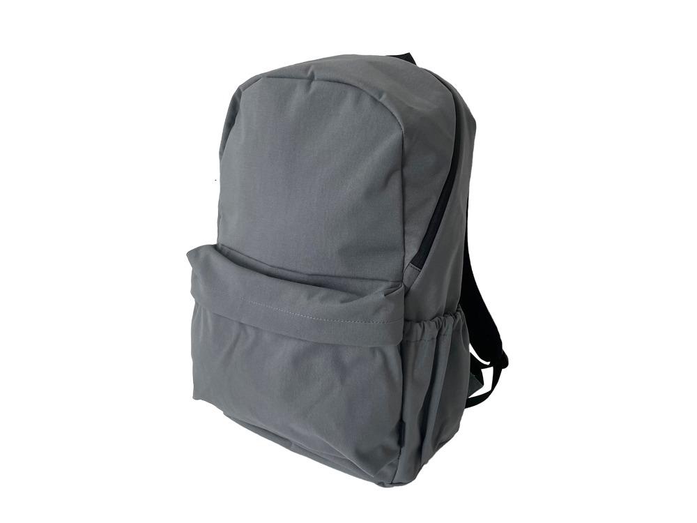 Everyday Use Backpackグレイのデザイン