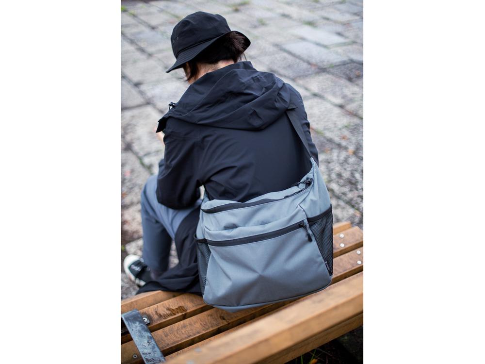 Everyday Use Middle Shoulder Bagのデザイン