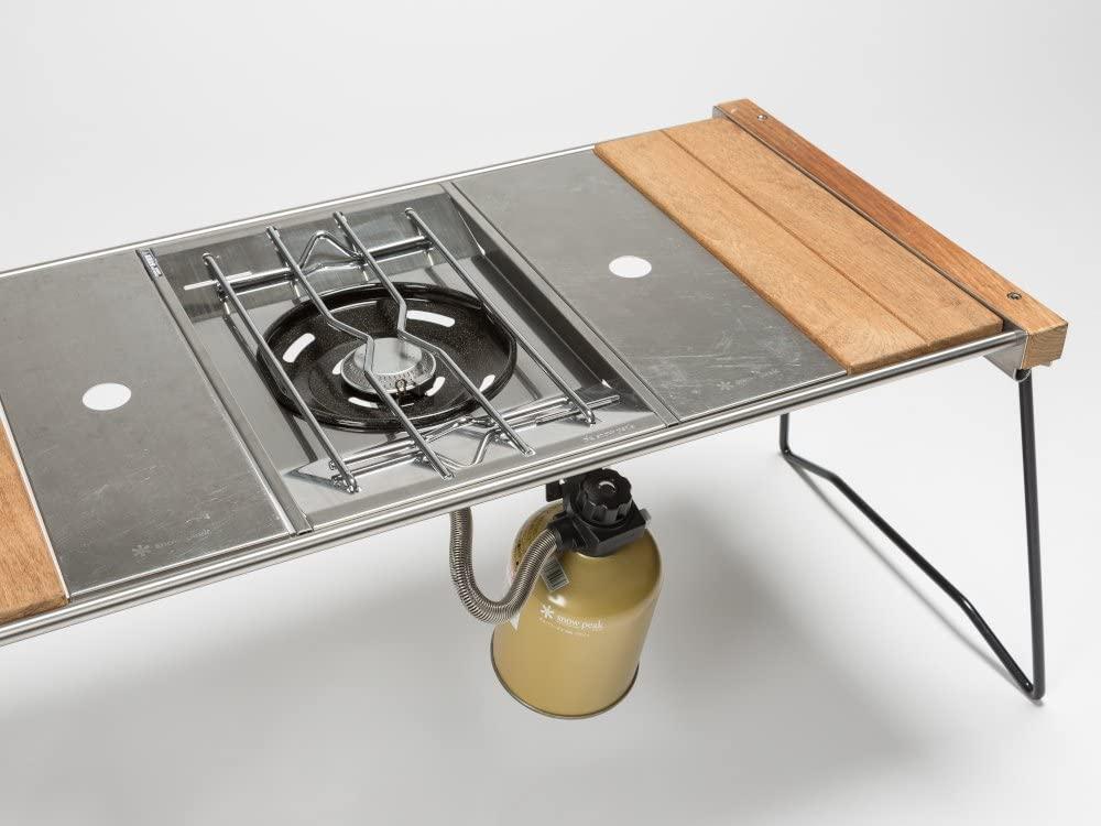 フラットバーナーをグリルテーブルに装着できる